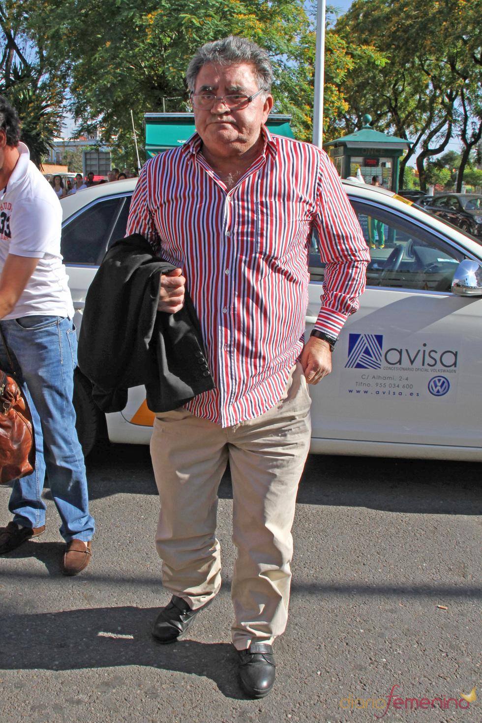 El hermano de José Ortega Cano, Eugenio, va a visitarle al hospital