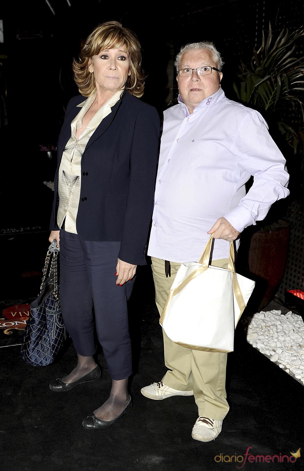 Mila Ximénez y Juanito 'el Golosina' en la despedida de soltero de Luis Rollán