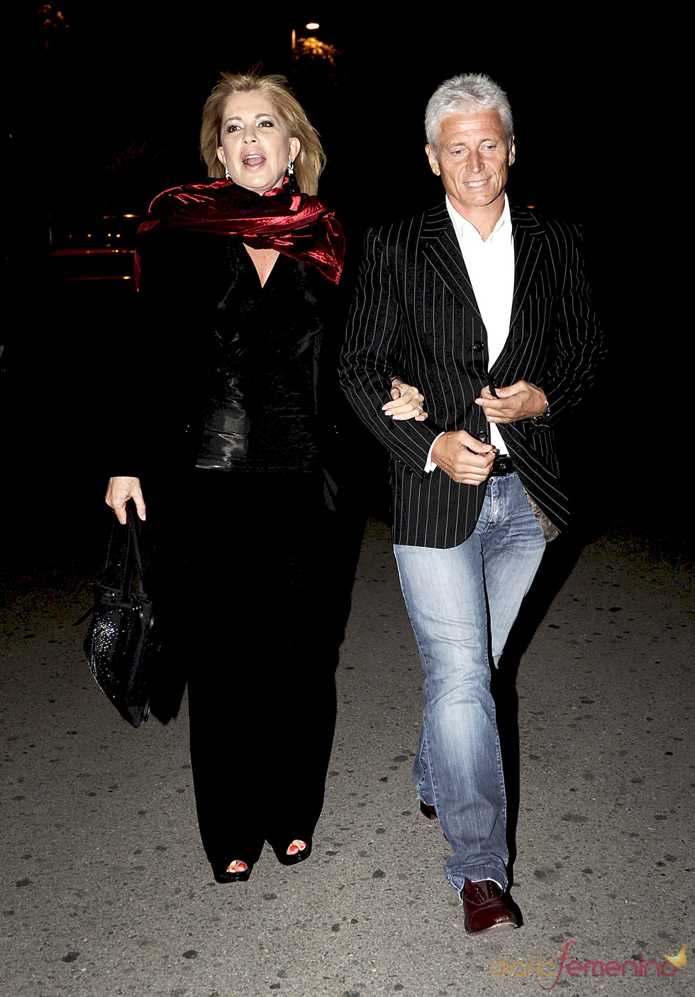 Bárbara Rey y su novio en la despedida de soltero de Luis Rollán