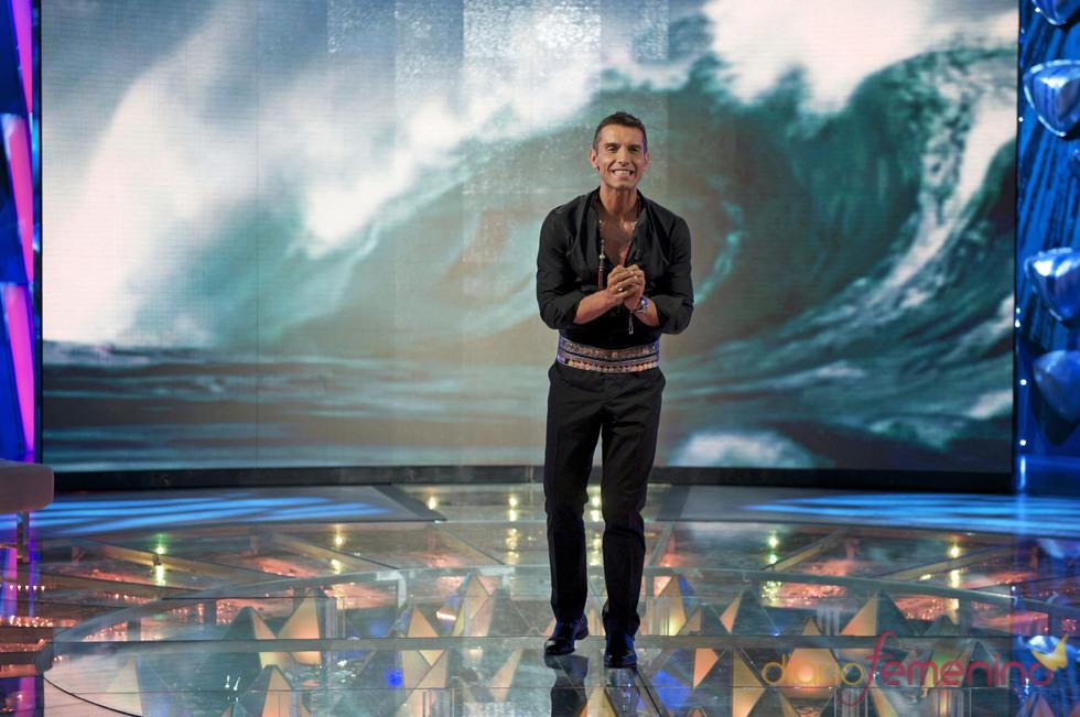 Jesús Vázquez presentando 'Supervivientes'