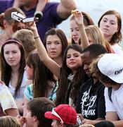 Selena Gomez anima a Justin Bieber en su partido de fútbol