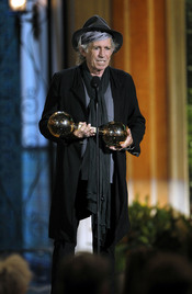 Keith Richards recoge su premio en la gala de los 'Spike TV's Guys Choice Awards'