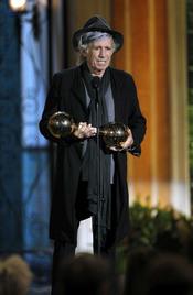 Keith Richards recoge su premio en la gala de los 'Spike TV's Guys Choice Awards'