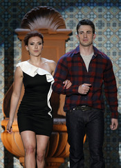 Scarlett Johanson y Chris Evans en la gala de los 'Spike TV's Guys Choice Awards'