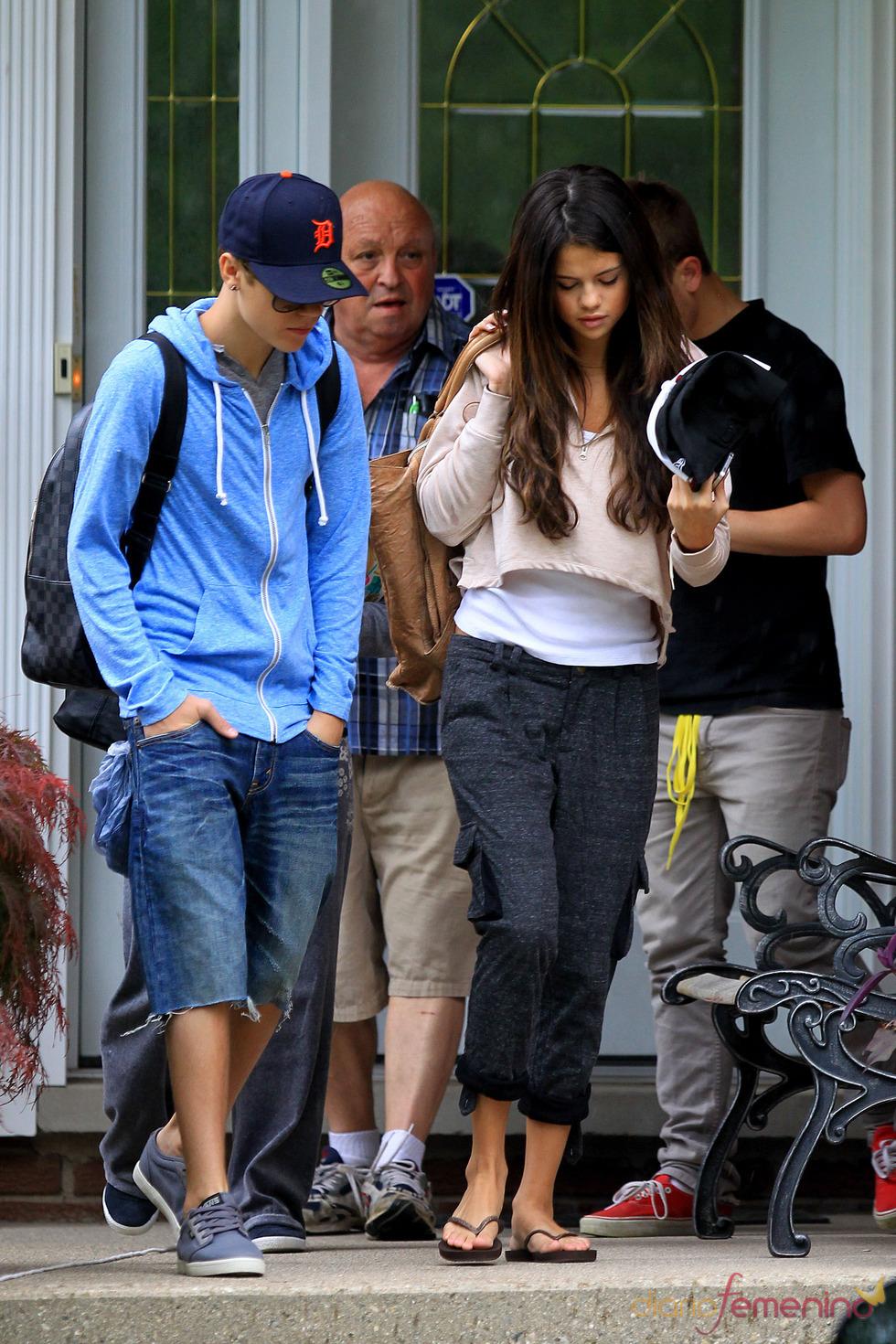Justin Bieber y Selena Gomez pasean por Canadá