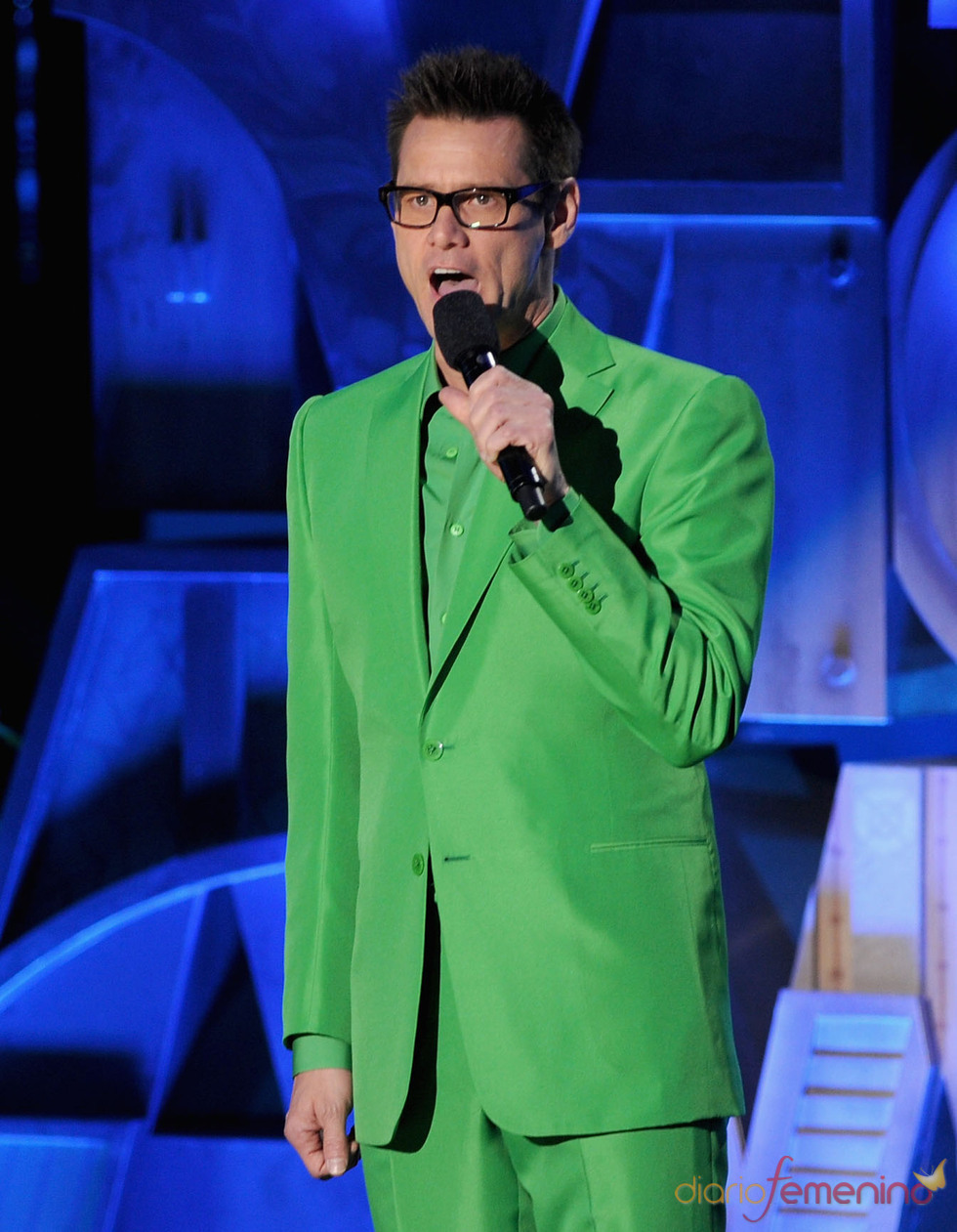 Jim Carrey de verde en la gala de los premios MTV Movie Awards 2011