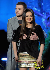 Justin Timberlake y Mila Kunis en la gala de los premios MTV Movie Awards 2011