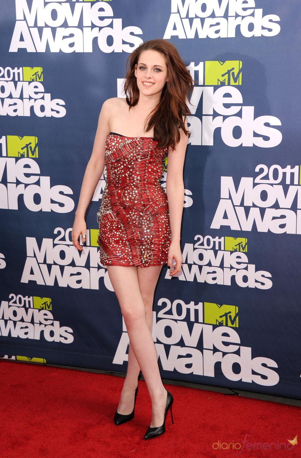 Kristen Stewart a su llegada a los premios MTV Movie Awards 2011