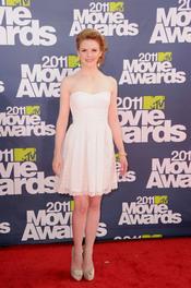 Ashley Bell a su llegada a los premios MTV Movie Awards 2011
