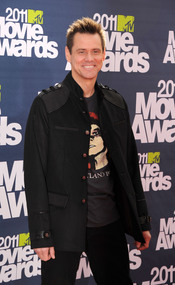 Jim Carrey a su llegada a los premios MTV Movie Awards 2011