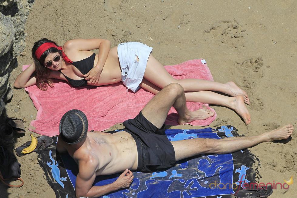 Olivia Molina y Sergio Mur, de vacaciones en Ibiza