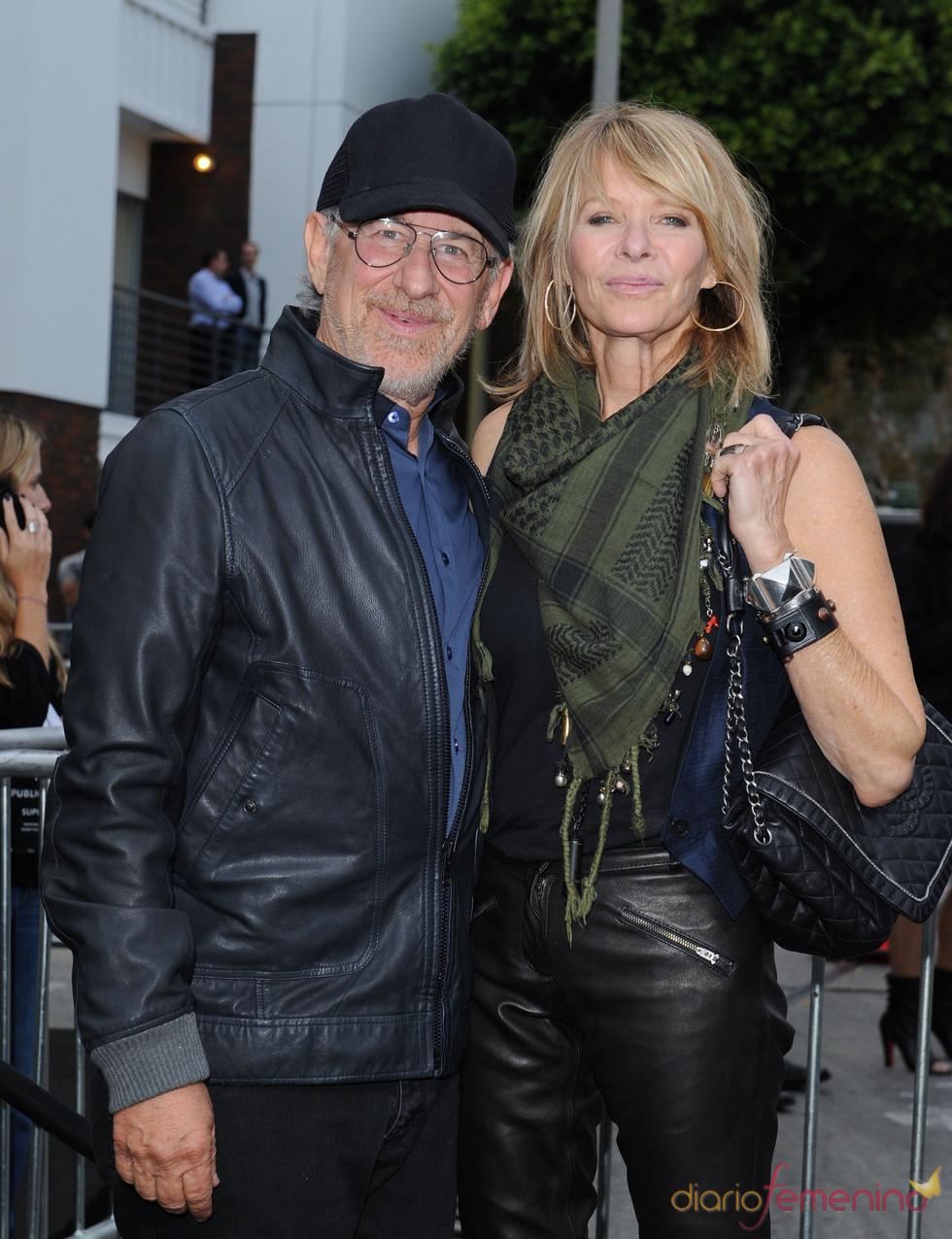Steven Spielberg y Kate Capshaw  en la premiere de 'Super 8' en Los Angeles