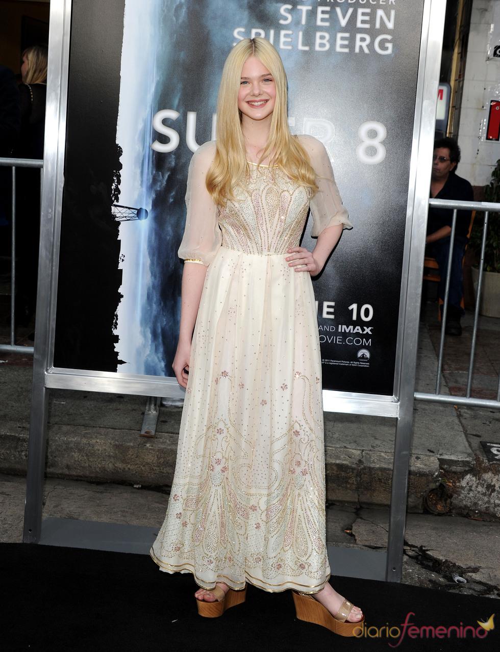 Elle Fanning en la premiere de 'Super 8' en Los Ángeles