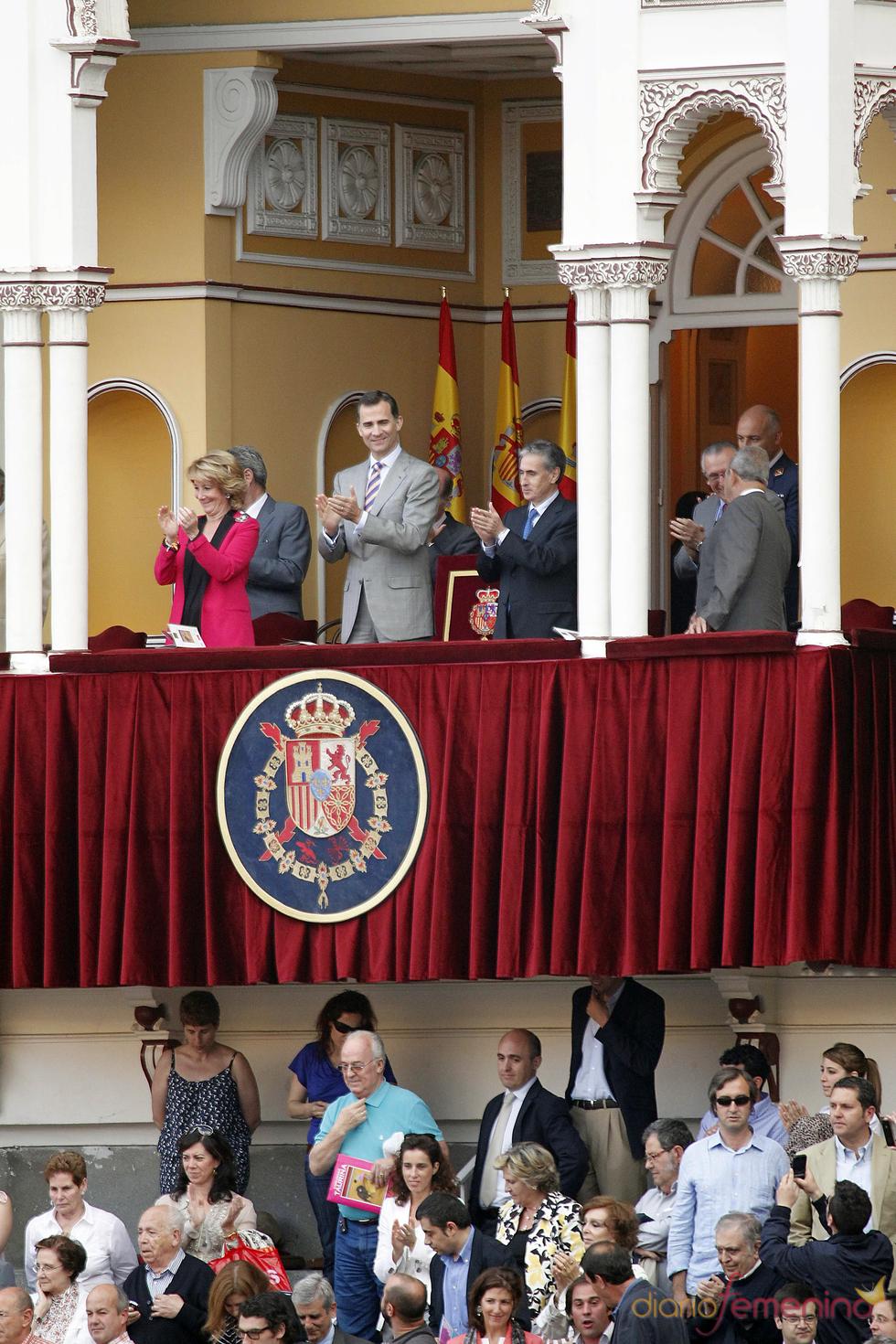 El Príncipe Felipe y Esperanza Aguirre en la Corrida de la Beneficencia