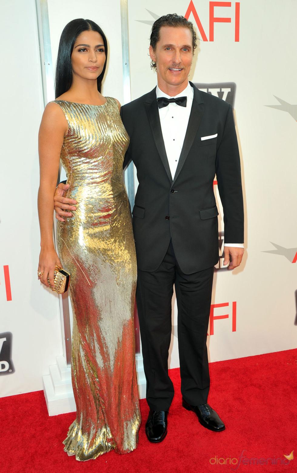 Camila Alves y Matthew McConaughey en los Premios AFI 2011