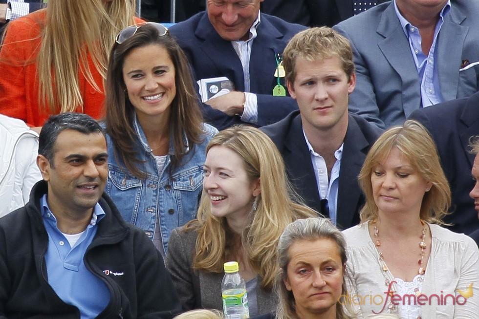 Pippa Middleton con George Percy en el Torneo Queen's de Londres