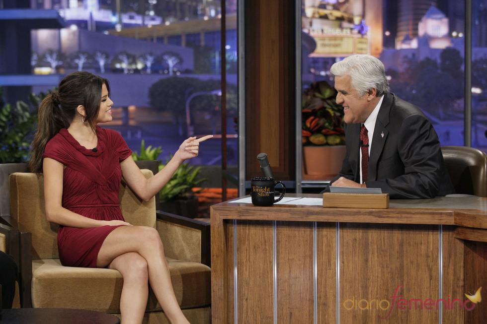 Selena Gomez comenzó a sentirse mal en el programa de Jay Leno