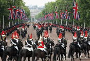 Así se ha celebrado el 'Trooping of Colour' 2011 en las calles de Londres