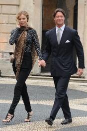 Eva Herzigova y su novio en la boda de Beatrice Borromeo