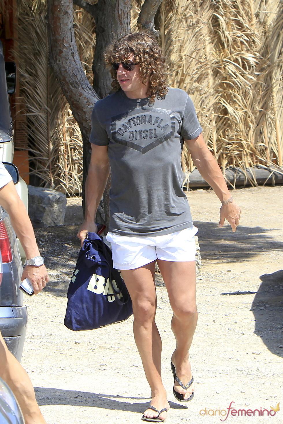Carles Puyol, de vacaciones en Ibiza