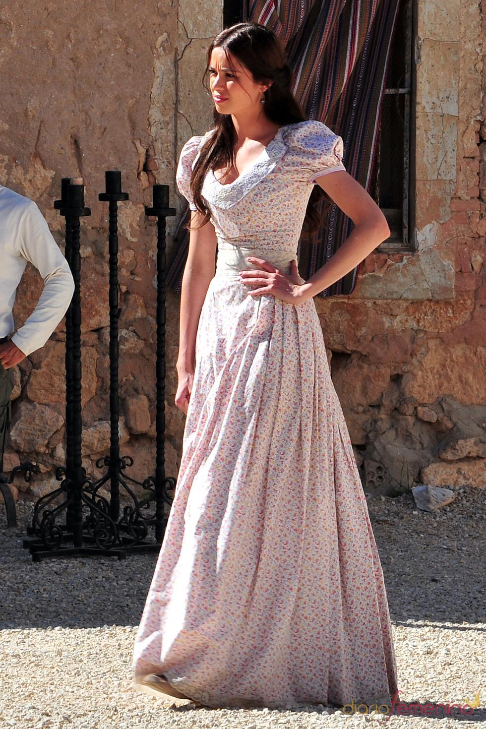 Dafne Fernández en el rodaje de la segunda temporada de 'Tierra de lobos'