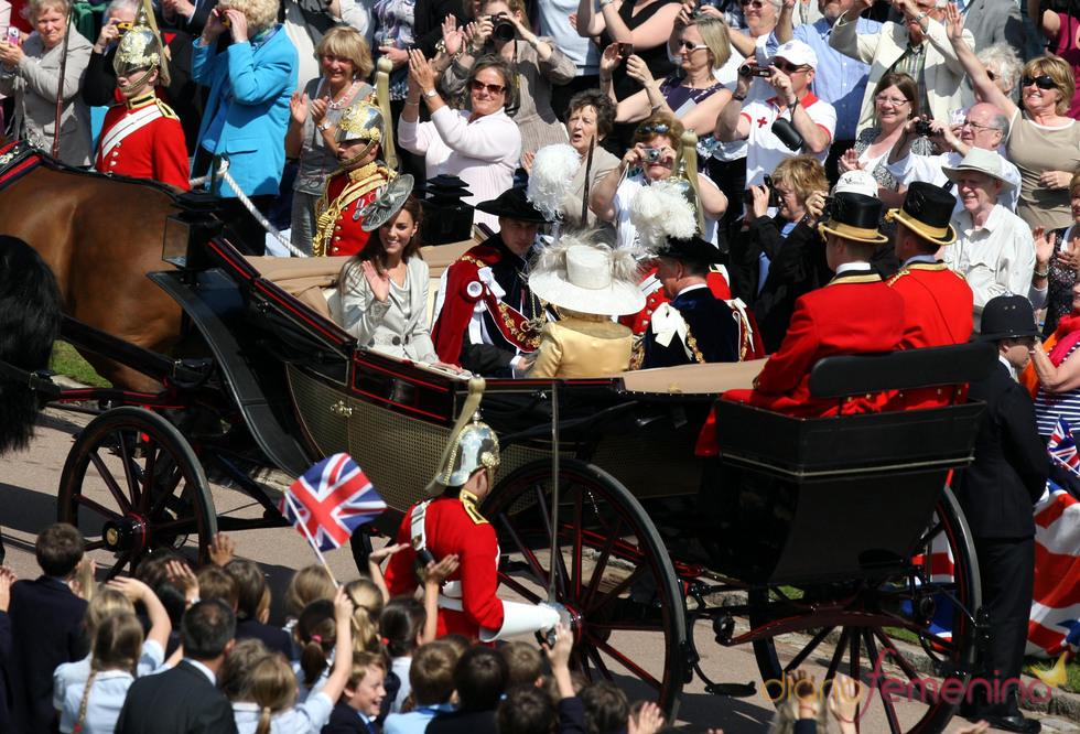 Los Duques de Cambridge, la Duquesa de Cornualles y el Príncipe Carlos en la la Procesión de la Orden de la Jarretera