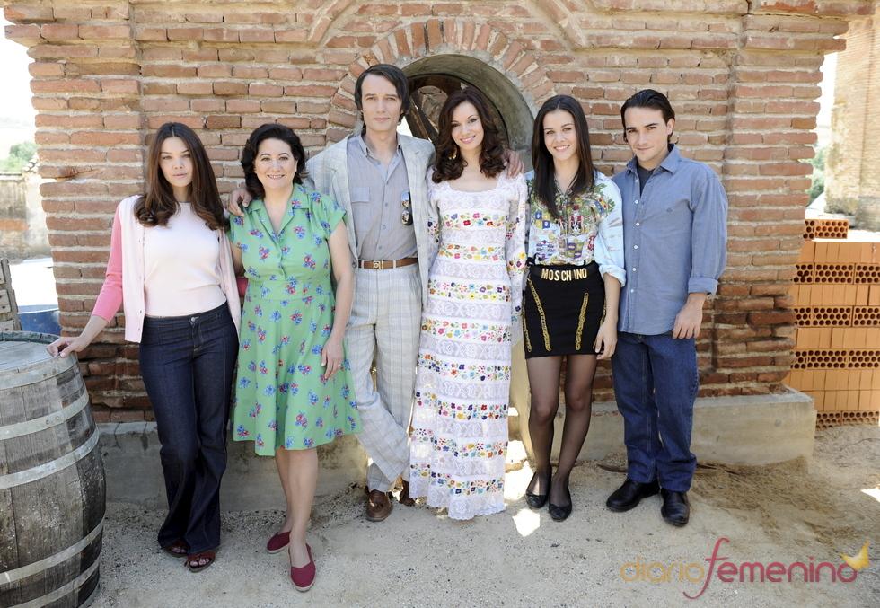 El reparto de la serie 'Marieta'