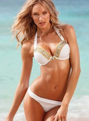 Candice Swanepoel con un bikini blanco de la nueva colección de Victoria's Secret