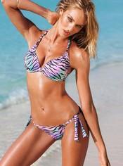 Candice Swanepoel con un bikini de la nueva colección de Victoria's Secret