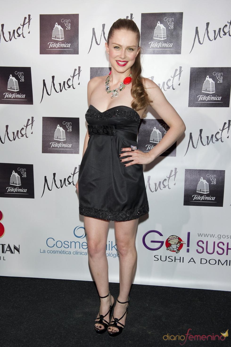 Carla Nieto en la gala de los premios Must 2011