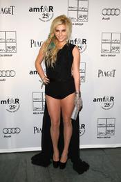 Kesha en la Gala amfAR 2011
