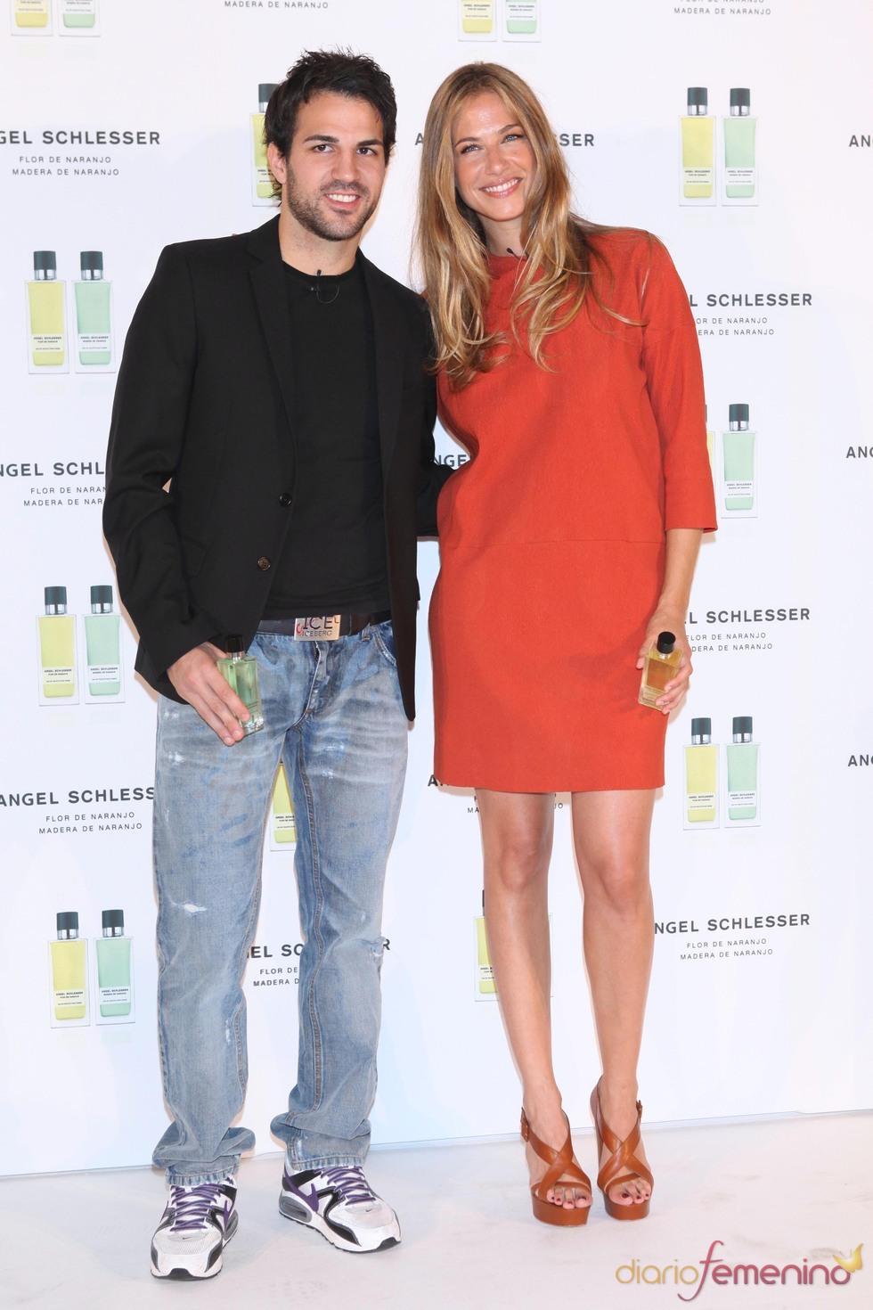 Martina Klein y Cesc Fábregas presentan las nuevas fragancias de Angel Schlesser