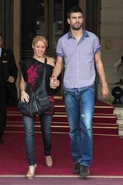 Shakira y Gerard Piqué por las calles de París