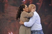 Isabel Pantoja besa a Kiko Rivera en plató de 'Supervivientes'