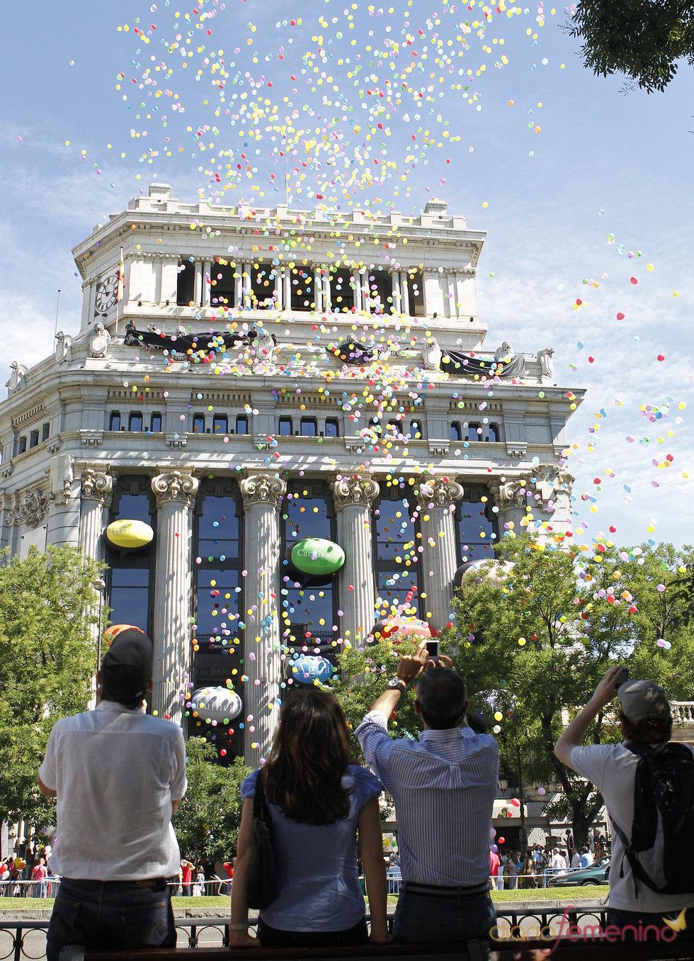 Lluvia de globos en el 'Día E' del español