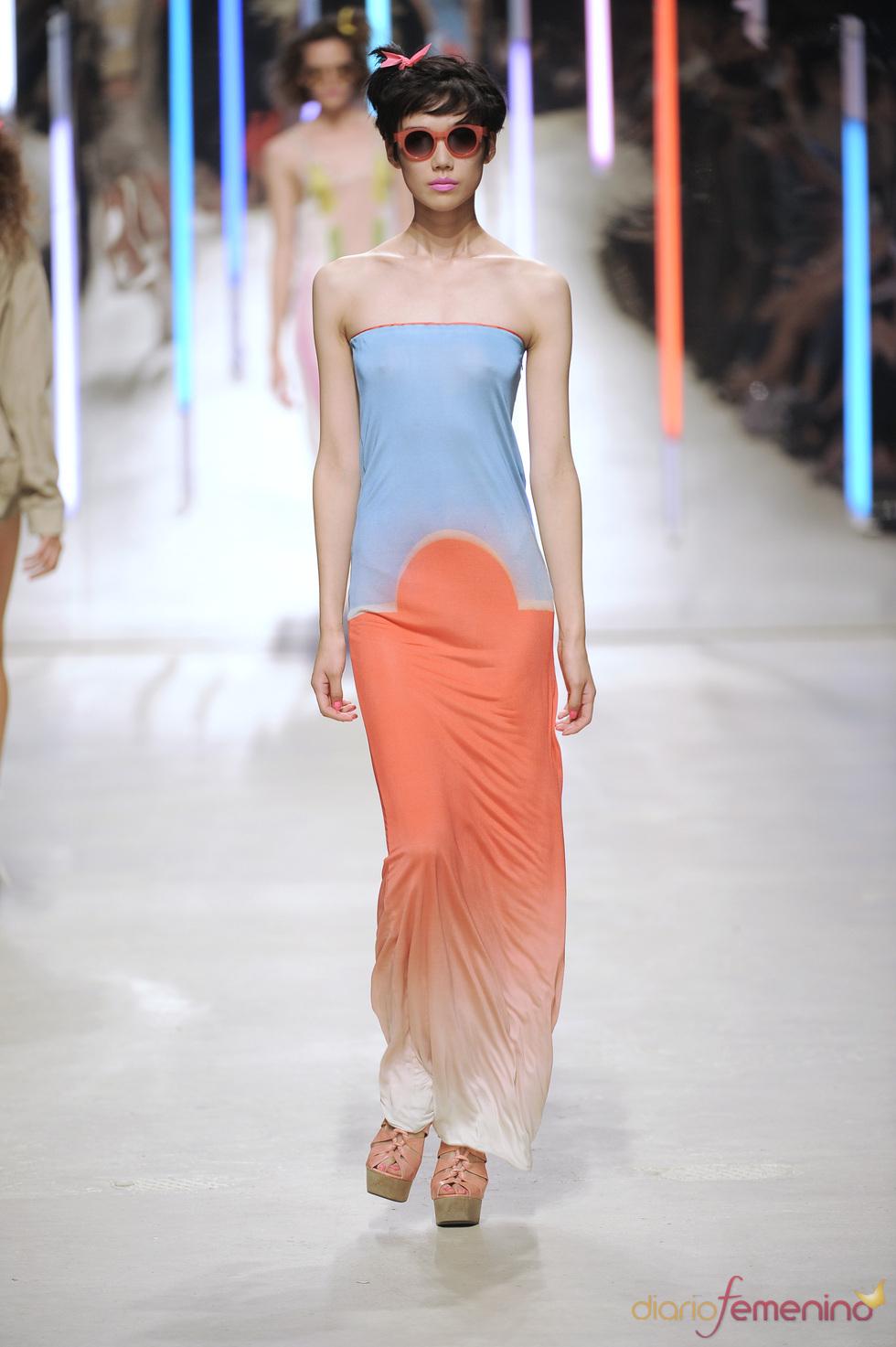 Vestido en tonos difuminados de Topshop 2010