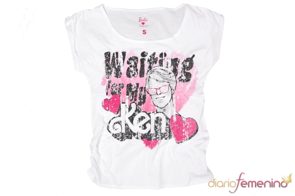 El novio de Barbie en una camiseta de Blanco