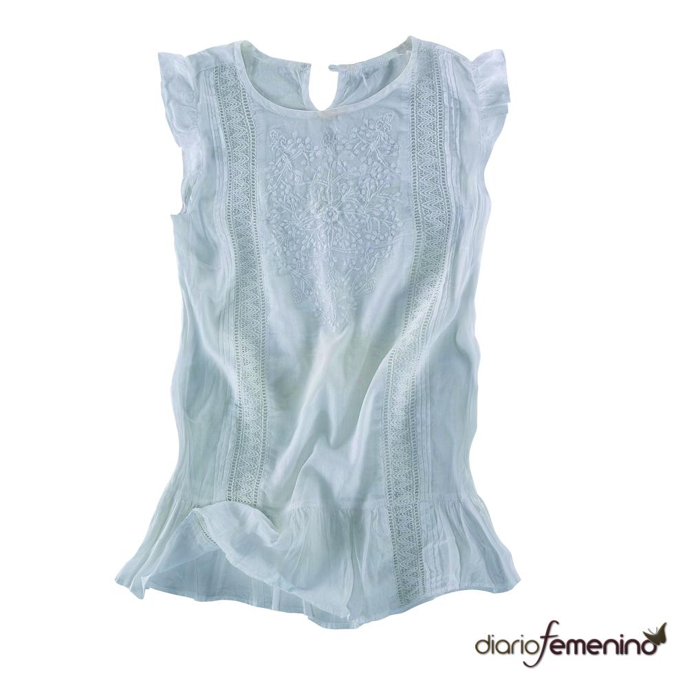 Blusa blanca sin mangas de Pull and Bear