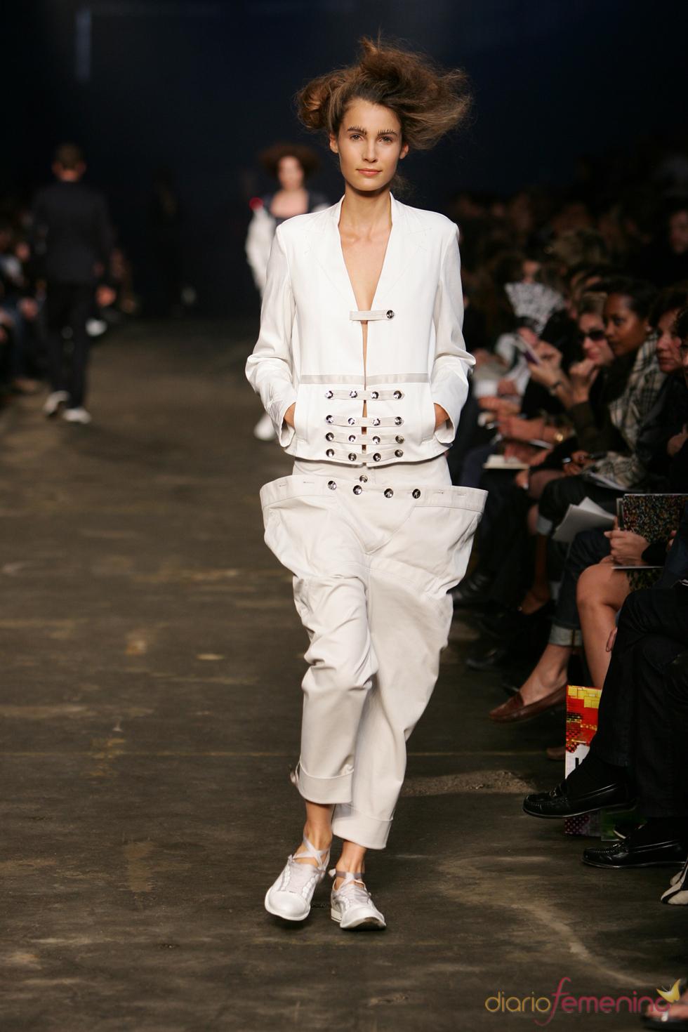 Pantalón y chaqueta crudos de Marithé François Girbaud