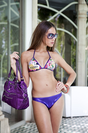 Lenita: Bikini Casino