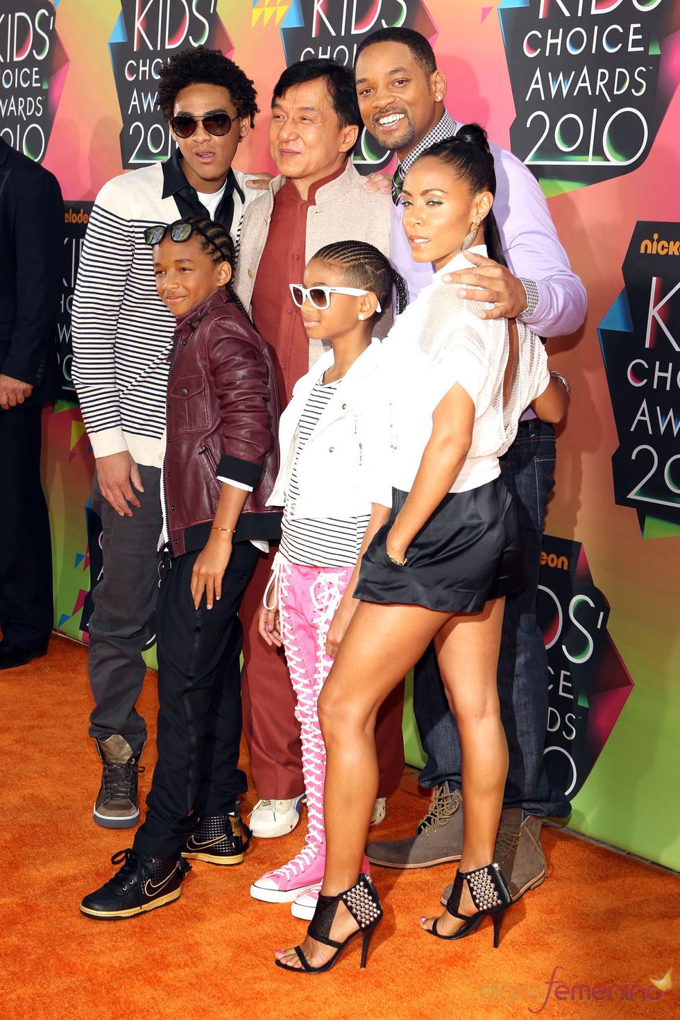 Will Smith con su mujer, sus hijos y Jackie Chan