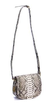 Bolso de Sendra Style que combina con calzado de cuña