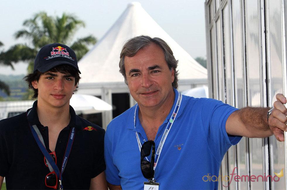 Carlos Sainz con su hijo en Malasia en Semana Santa