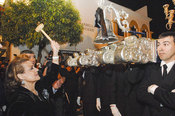 Carmen Sevilla en la procesión de Semana Santa
