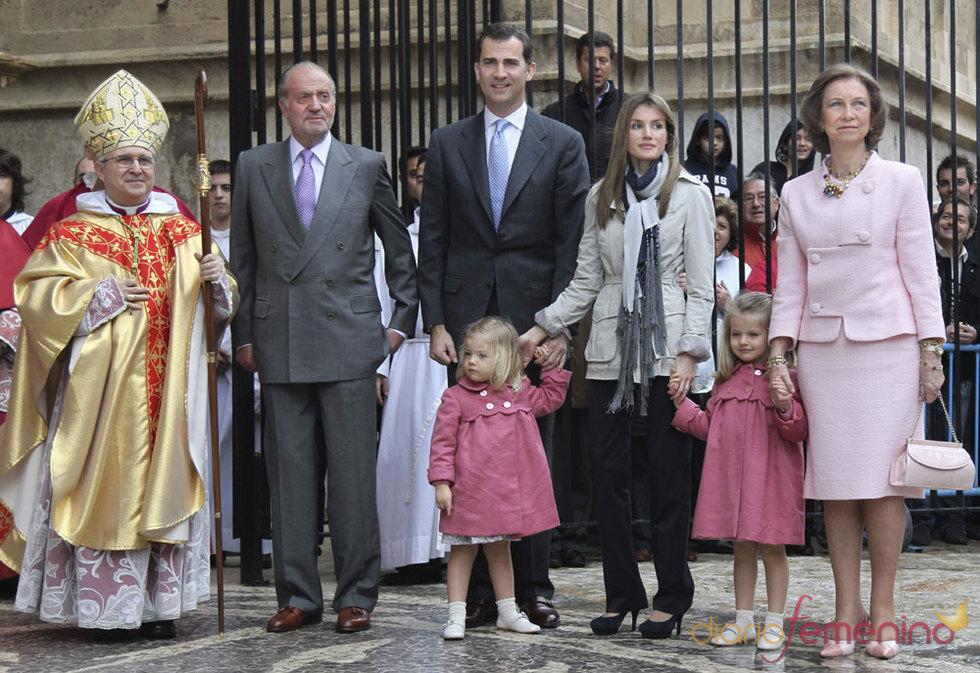 Los Reyes de España y los Príncipes de Asturias juntos en la Semana Santa