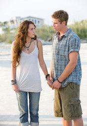 Miley Cyrus y su nuevo novio Liam Hemsworth