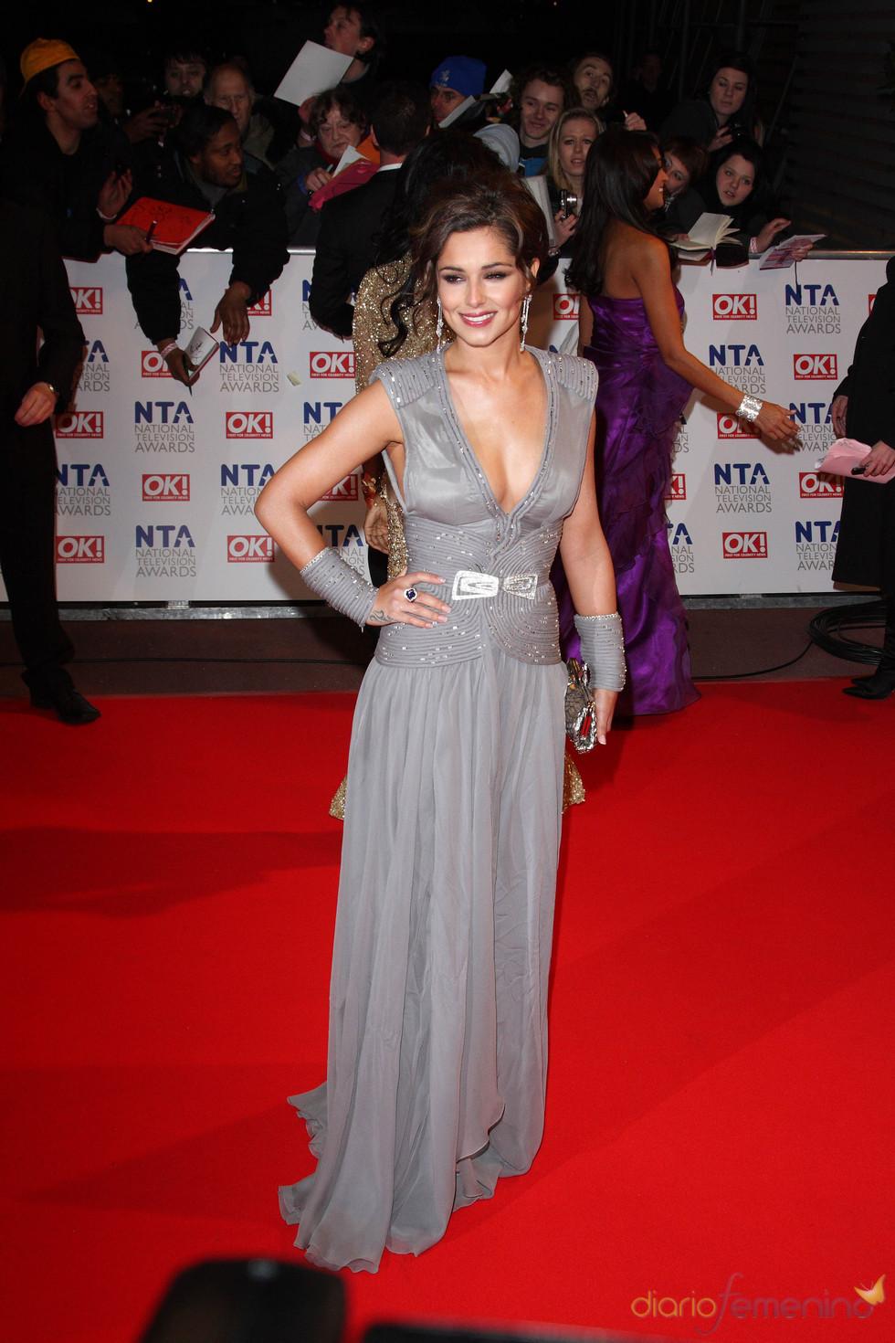 Cheryl Cole con vestido de fiesta