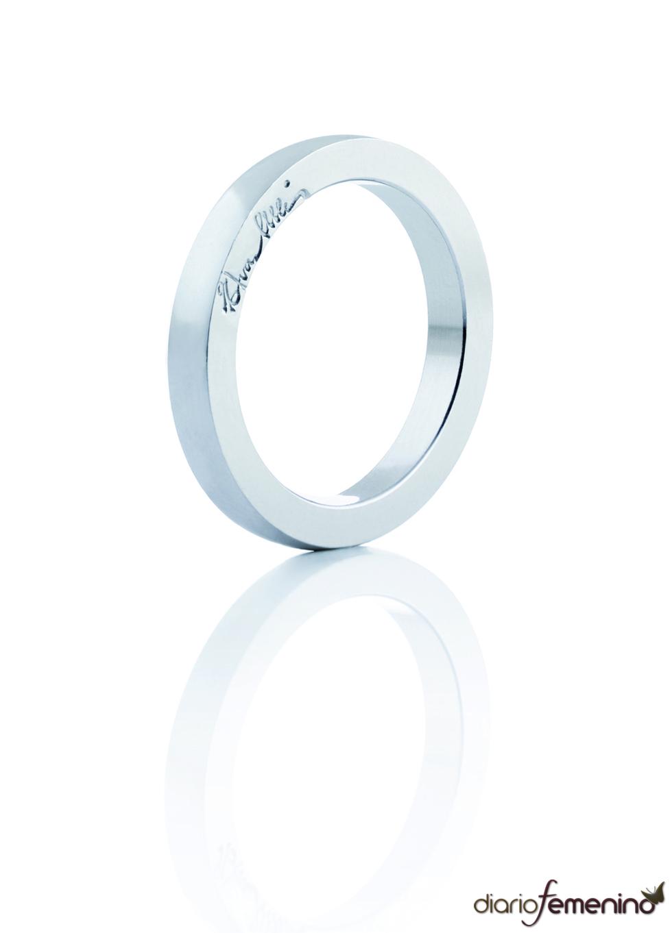 Efva Attling apuesta por los anillos sobrios