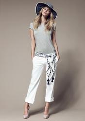 Conjunto de camiseta y pantalones frescos de Blanco