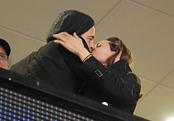 Beso de altura de Brad Pitt y Angelina Jolie
